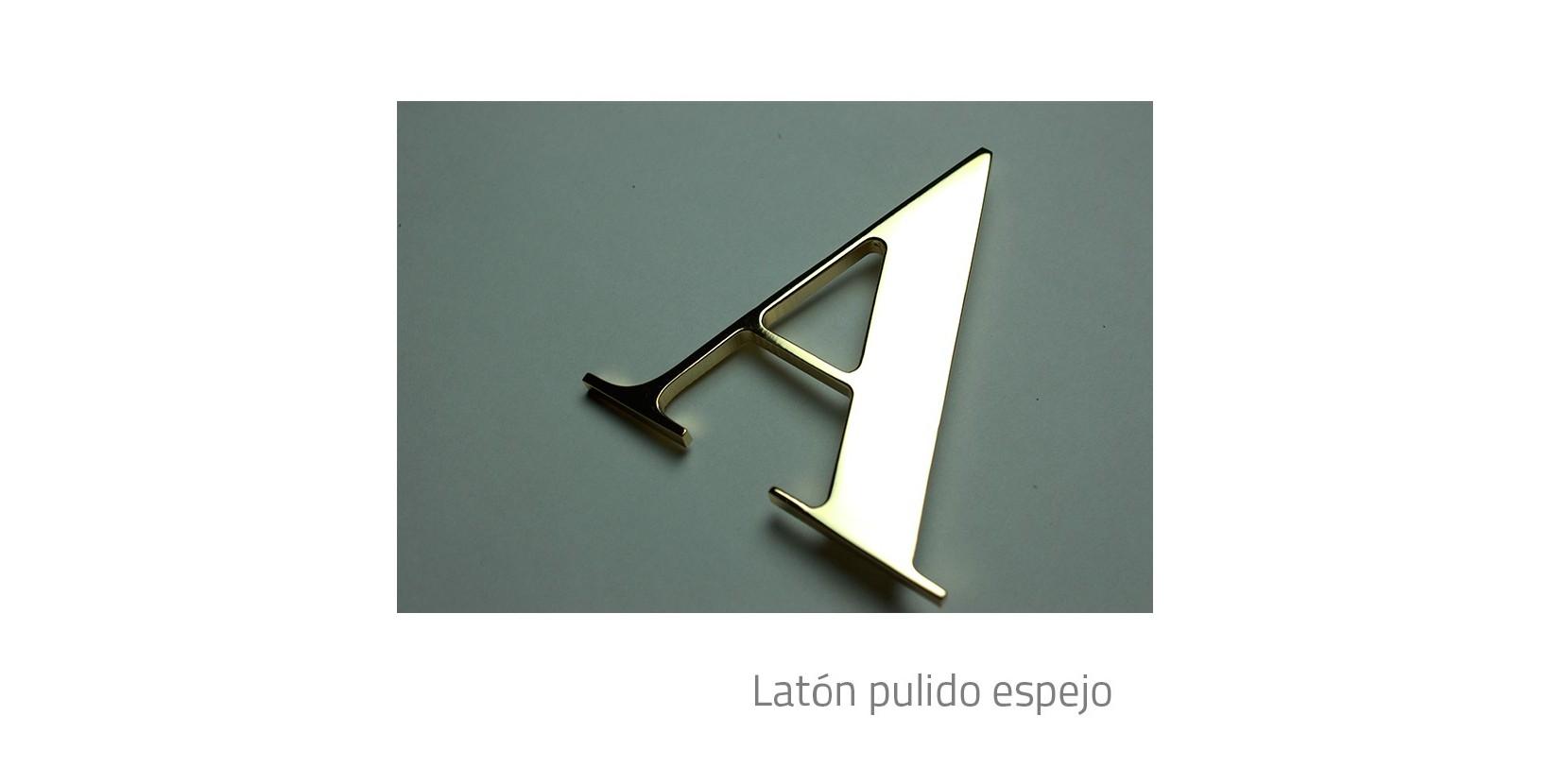 Letras Corpóreas Latón