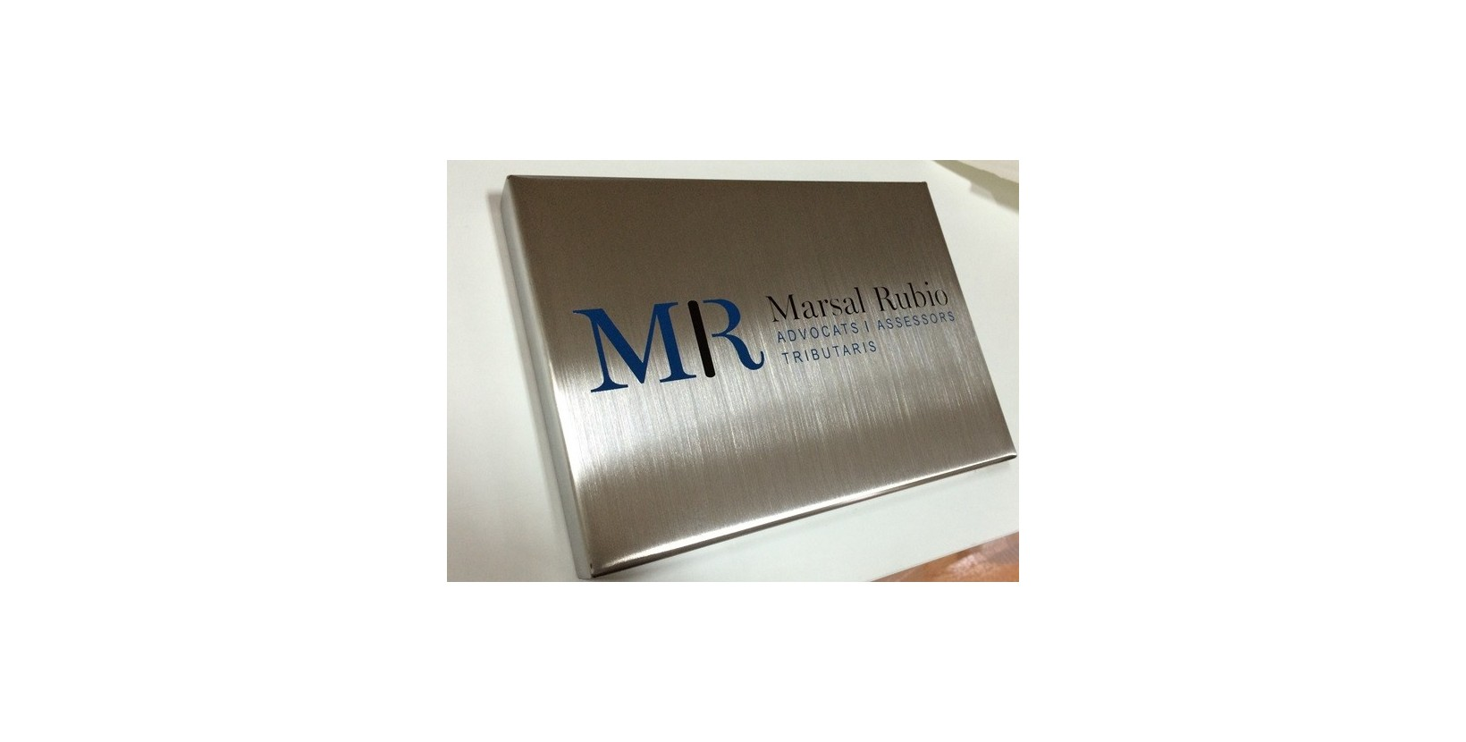 Placa acero vinilo placas grabadas placas grabadas for Placas de vinilo para banos