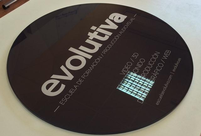 placa-metacrilato-redonda-evolutiva