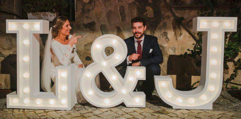 letras-gigantes-boda-luz