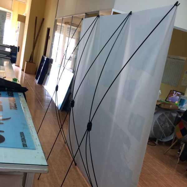Estructura y lona para photocall realizados por rotula tu for Oficinas ups valencia